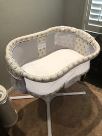 baby's white and gray bassinet Austin, 78734