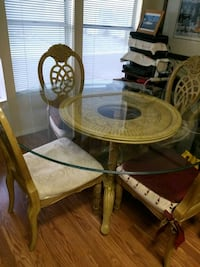 Dining table with glass top Las Vegas, 89103
