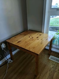 Wooden End Table Toronto, M2M 2J6