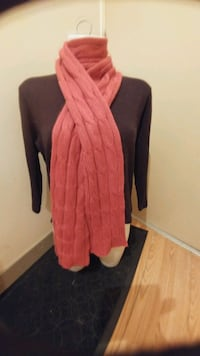 Women's scarves and gloves