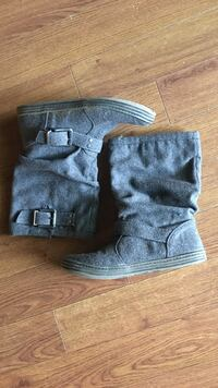 pair of gray suede boots Eugene, 97404