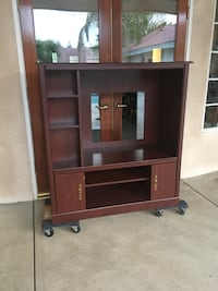 Cherry Wood TV Stand  Bakersfield, 93311