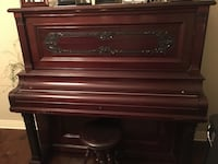 Brown wooden piano Rogers, 72758