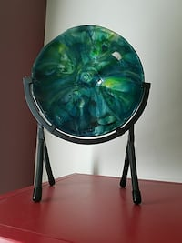 Fused glass glass disc with stand