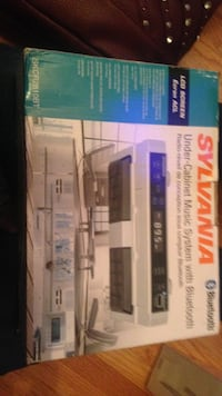 sylvania under cabinet music system with bluetooth box Hendersonville, 37075