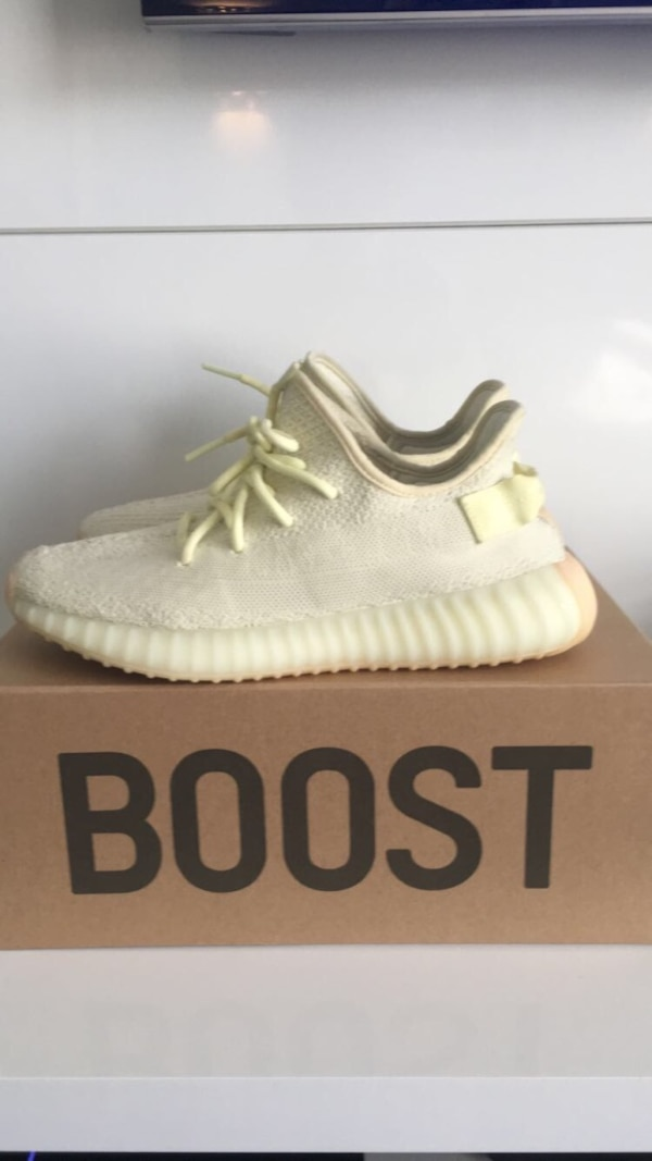 0fef6e0fa1f93 Used Yeezy 350 V2 butter size 9 for sale in Elk Grove Village - letgo