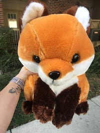 Fox plush toy Reston, 20190