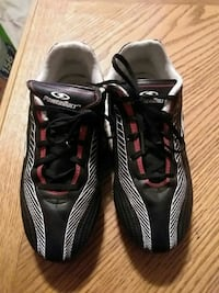 Powerbolt size 3 cleats in great condition Cambridge, N3H 1C4
