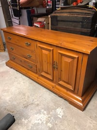 brown wooden 6-drawer lowboy dresser Blainville, J7C