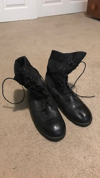 Pair of black leather boots Eugene, 97405