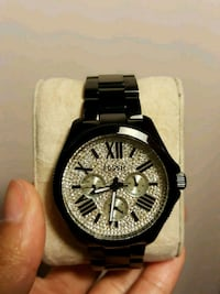 round black chronograph watch with link bracelet Windsor, N8T 3H4
