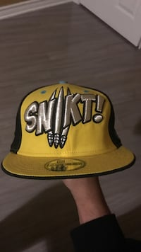 yellow and black Snikt! snapback Toronto, M6N 2C3