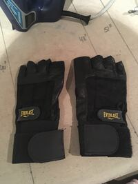 Everlast gym gloves  Oakville, L6H 1Y4