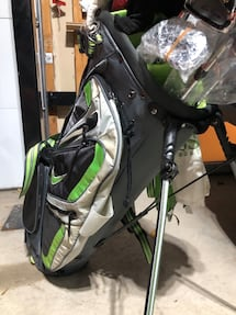 Rare Nike Golf Bag and assorted new and like new clubs **negotiable**