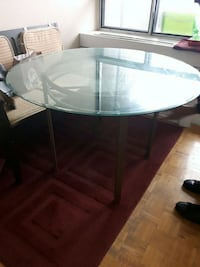 round glass top table with black metal base Toronto, M5A 3X2