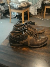 Born  brown leather shoes,size 91/2good shape Cheyenne, 82001