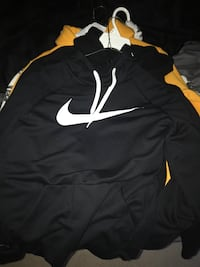Lightweight Nike sweater Montgomery Village, 20886