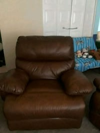 brown leather recliner sofa chair 36 km