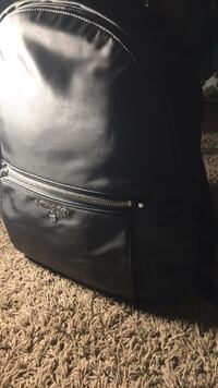 Michael kors back pack great conditions, good size for school books Indio, 92203
