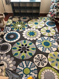 8 x 10 White, green, and blue floral area rug Orange, 92865