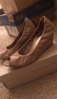 pair of brown leather pointed-toe heeled shoes Upper Marlboro, 20772