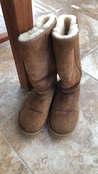 ugg. boots, size 8, very good condition West Chester, 19380