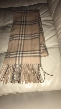Beautiful light pink winter scarf  Vancouver, V6H 1S7