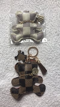 LOUIS VUITTON BEAR KEYCHAIN King, L7B 1J2