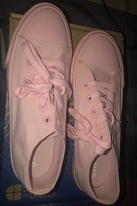 Baby Pink Converse Shoes North Las Vegas, 89030
