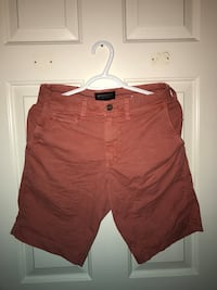 Men's salmon coloured shorts Colwood, V9B 5P8