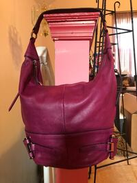 B Makowsky leather bag. Great condition .
