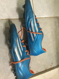 Men's US 10 Adidas soccer cleats Burnaby, V5A 1S6
