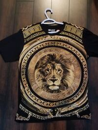 brand new. 25 firm no offers. Lion t shirt  Richmond, V6Y 2G2