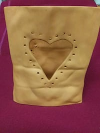 Luminaria Clay Bag Dumfries, 22026