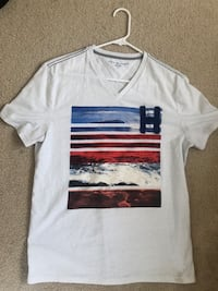 Tommy Hilfiger V Neck T Shirt Size Medium Washington, 20019