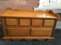 SOLID WOOD CEDAR CHEST AND BENCH Whitchurch-Stouffville