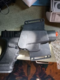AIRSOFT GAS BLOW BACK GLOCK 17 GEN 3 with holster  Walden, 12586