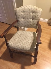 Antique wooden chair  Burlington, L7T 4E1