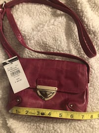 Kenneth Cole cross body purse. Maple Shade Township, 08052