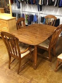 Dining Set w/4 Chairs Pawtucket, 02861