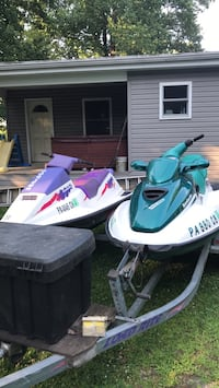 white and green personal watercraft York Haven, 17370