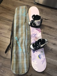 Women's Morrow snowboard, boots(sz9), Flow bindings, Dankine board bag 556 km