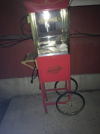 Popcorn  cart old fashioned midway
