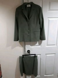 2pc Ladies outfit Mississauga, L5B 4C2