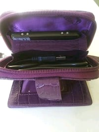Purple Wallabe wallet with photo viewer