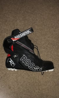 NORDIC BOOTS:  Rossignol X-8 pursuit boots