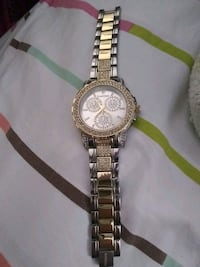 round gold-colored chronograph watch with link bracelet 761 mi