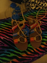 Womans sandals size 10