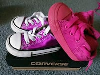 Converse sz 4 Baby Girl Shoes Concord, 94520