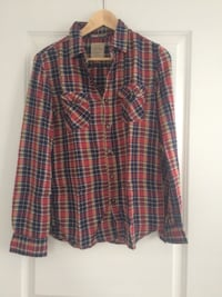 red black and brown plaid flannel dress shirt Tsawwassen, V4L 1S2